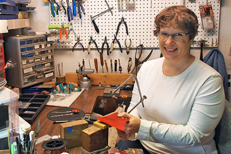 Jewelry artist Mandy Allen